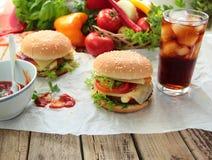 Hamburgery i zimna kola Obrazy Royalty Free