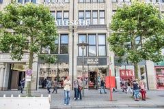 Hamburgo, Alemanha - 14 de julho de 2017: Jack Wolfstone que a loja é encontrada é ficado situado diretamente perto do townhall n Imagem de Stock