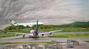 HAMBURGO, ALEMANHA - 8 de março de 2014: Flughafen Wunderland Até 40 aviões diferentes, de Cessna a Airbus A 380, são Foto de Stock