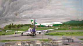 HAMBURGO, ALEMANHA - 8 de março de 2014: Flughafen Wunderland Até 40 aviões diferentes, de Cessna a Airbus A 380, são Fotografia de Stock