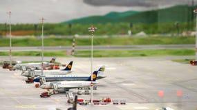 HAMBURGO, ALEMANHA - 8 de março de 2014: Flughafen Wunderland Até 40 aviões diferentes, de Cessna a Airbus A 380, são Imagem de Stock Royalty Free