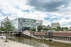 Hamburgo, Alemania - 14 de julio de 2017: Los edificios de la estación de radiodifusión de Alemania ZDF están situados cerca de Fotografía de archivo