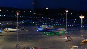 HAMBURGO, ALEMANIA - 8 de marzo de 2014: Flughafen Wunderland Hasta 40 diversos aviones, de Cessna a Airbus A 380, son Fotografía de archivo libre de regalías