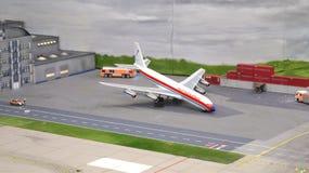 HAMBURGO, ALEMANIA - 8 de marzo de 2014: Flughafen Wunderland Hasta 40 diversos aviones, de Cessna a Airbus A 380, son Imagen de archivo