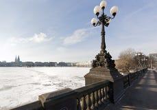 Hamburgo, lago Binnenalster en invierno foto de archivo libre de regalías