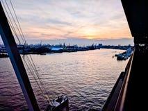 Hamburgo na mola Imagens de Stock Royalty Free