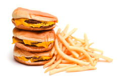 Hamburguer e batatas fritas do fast food isolados no branco Fotos de Stock Royalty Free