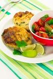Hamburguer grelhado da galinha com queijo e salsa Imagens de Stock Royalty Free