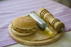 Hamburguesa americana del pollo Fotografía de archivo libre de regalías