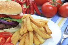 Hamburguesa con las patatas fritas Fotografía de archivo