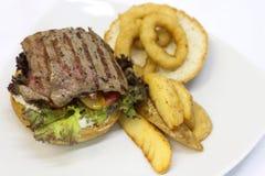 Hamburguesa deliciosa del filete Fotografía de archivo libre de regalías