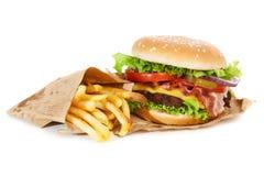 Hamburguesa y fritadas deliciosas Imagen de archivo libre de regalías