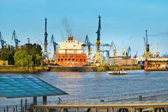 Hamburski ładunku port Zdjęcie Royalty Free