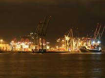 Hamburski port morski przy nocą Zdjęcie Stock