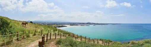 Hamdeok海滩和Olle足迹追猎没有 19在Seoubong峰顶 免版税库存图片
