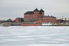 Hame城堡在海门林纳在冬天阴云密布天,芬兰 图库摄影