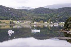 Hameau de pêche dans Terre-Neuve photos stock