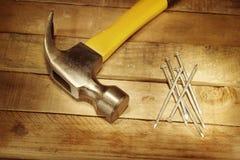Hamer en spijkers Stock Foto