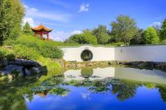 HAMILTON, NZ - 25 DE FEVEREIRO DE 2015: O jardim do erudito chinês em Hamilton Gardens Foto de Stock Royalty Free