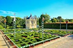 HAMILTON, NZ - 25. FEBRUAR 2015: Tudor Garden in Hamilton Gardens Lizenzfreie Stockfotos