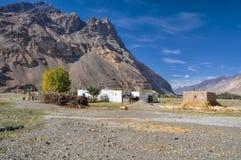 Hamlet dans le Tadjikistan image libre de droits