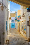 HAMMAMET,突尼斯- 2014年10月:麦地那狭窄的街道2014年10月6日的 免版税库存照片