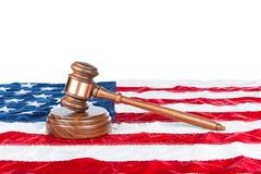 Hammer auf amerikanischer Flagge Lizenzfreie Stockfotos