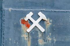 Hammer und Meißel lizenzfreies stockbild