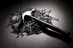 Hammer und Nägel lizenzfreies stockfoto
