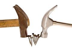 Hammer und Nägel Stockfotos