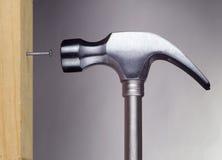 Hammer und Nagel Stockfoto