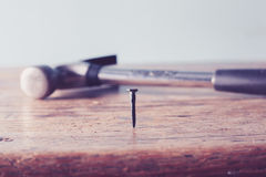 hammer und nagel vektor abbildung illustration von metall. Black Bedroom Furniture Sets. Home Design Ideas