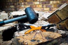 Hammer und Schutzbrillen Lizenzfreie Stockbilder