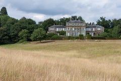HAMMERWOOD, SUSSEX/UK - 23 JUILLET : Vue de Chambre de parc de Hammerwood image stock