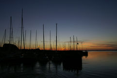 hamn över solnedgång Royaltyfri Bild