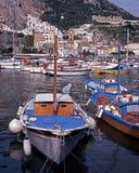 Hamn Amalfi, Italien. fotografering för bildbyråer