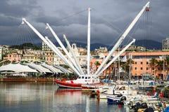 Hamn av Genua mot dramatiska moln Porto Antico, Il Bigo italy liguria Fotografering för Bildbyråer