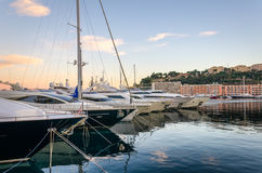 Hamn av Monaco i solnedgångljus Royaltyfri Bild