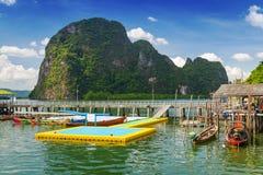 Hamn i den KohPanyee bosättningen, Thailand Arkivfoton
