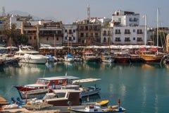 Hamn i Kyrenia (Girne) Nordliga Cypern Fotografering för Bildbyråer