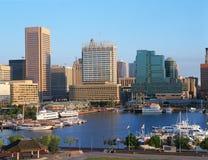Hamn och Baltimore, MD-horisont fotografering för bildbyråer