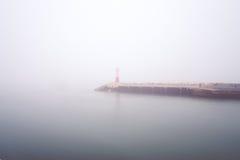 Hamn och dimma Royaltyfri Bild