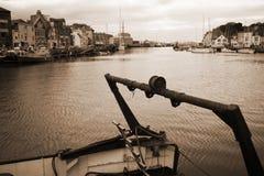 Hamn och gammalt fartyg Royaltyfria Bilder