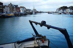 Hamn och gammalt fartyg Arkivfoton