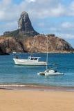 Hamn och Pico Hill Fernando de Noronha Brazil Fotografering för Bildbyråer