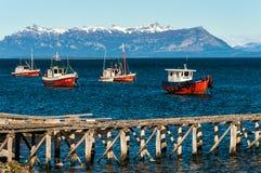 Hamn på Puerto Natales royaltyfri bild