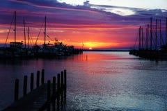 Hamn på solnedgången Royaltyfri Bild