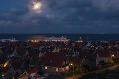 Hamnen av västra Terschelling på ön av Terschelling vid natt Royaltyfria Foton