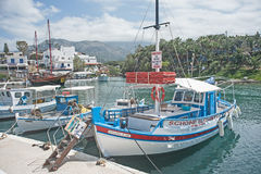 Hamnen på Sissi, Kreta Arkivbilder