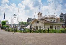 Hamnhus av en marina i Rotterdam Royaltyfri Fotografi